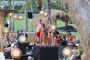 20161117-gallery-beach-party-04