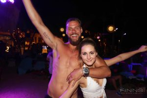 20161117-gallery-beach-party-13