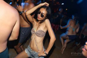 20161117-gallery-beach-party-22
