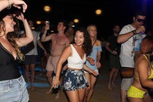 20161117-gallery-beach-party-47