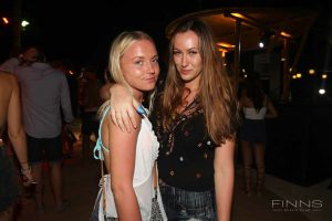 20161117-gallery-beach-party-48