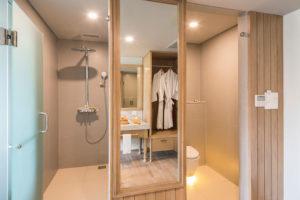 03-Superior-Rooms-rest-room---Eastin-Ashta-Resort-Canggu-Bali-(1)