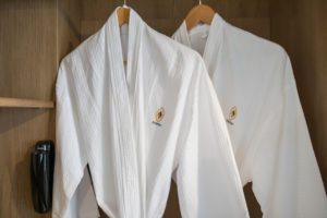 03-Superior-Rooms-rest-room---Eastin-Ashta-Resort-Canggu-Bali-(4)