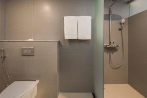 03-Superior-Rooms-rest-room---Eastin-Ashta-Resort-Canggu-Bali-(5)